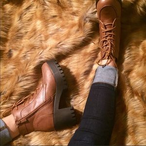 Shoes - Women lug some brown chunky boot